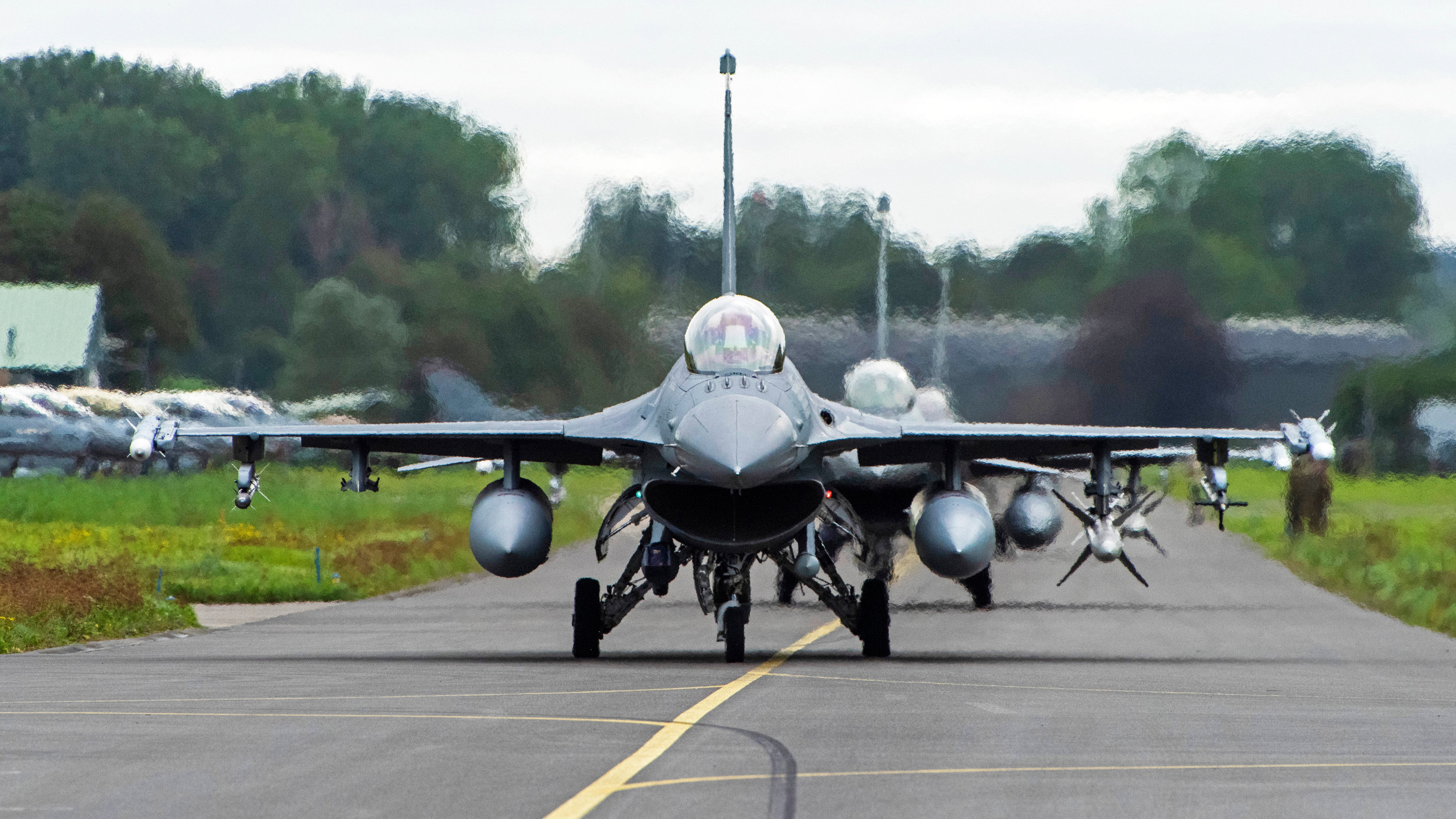 480th FS F-16C/Ds taxi by at Leeuwarden 13-09-21 [USAF/Tech Sgt Anthony Plyler]