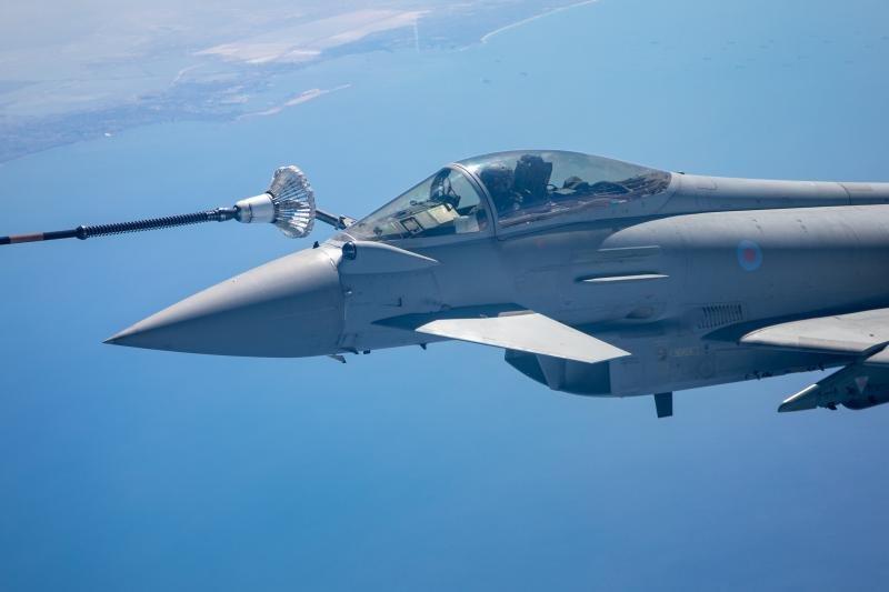 RAF Typhoon AAR Refuel