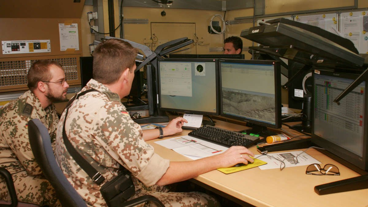 Image analysts support German mission to Afghanistan [Bundeswehr/ISAF press office]