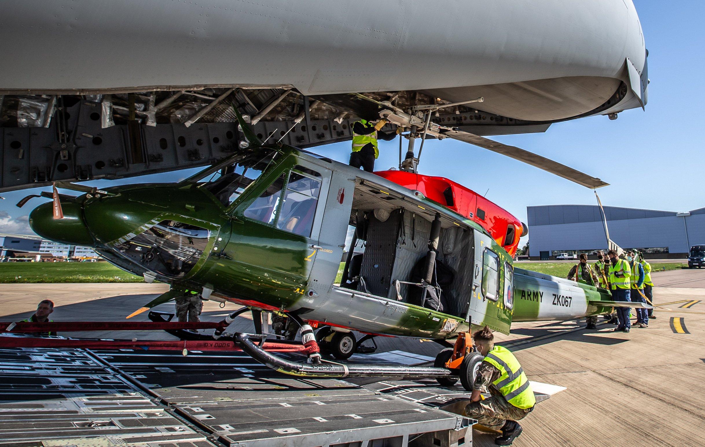 Bell 212 AH3 loaded onto RAF C-17A [MOD Crown Copyright/Sgt 'Matty' Matthews]