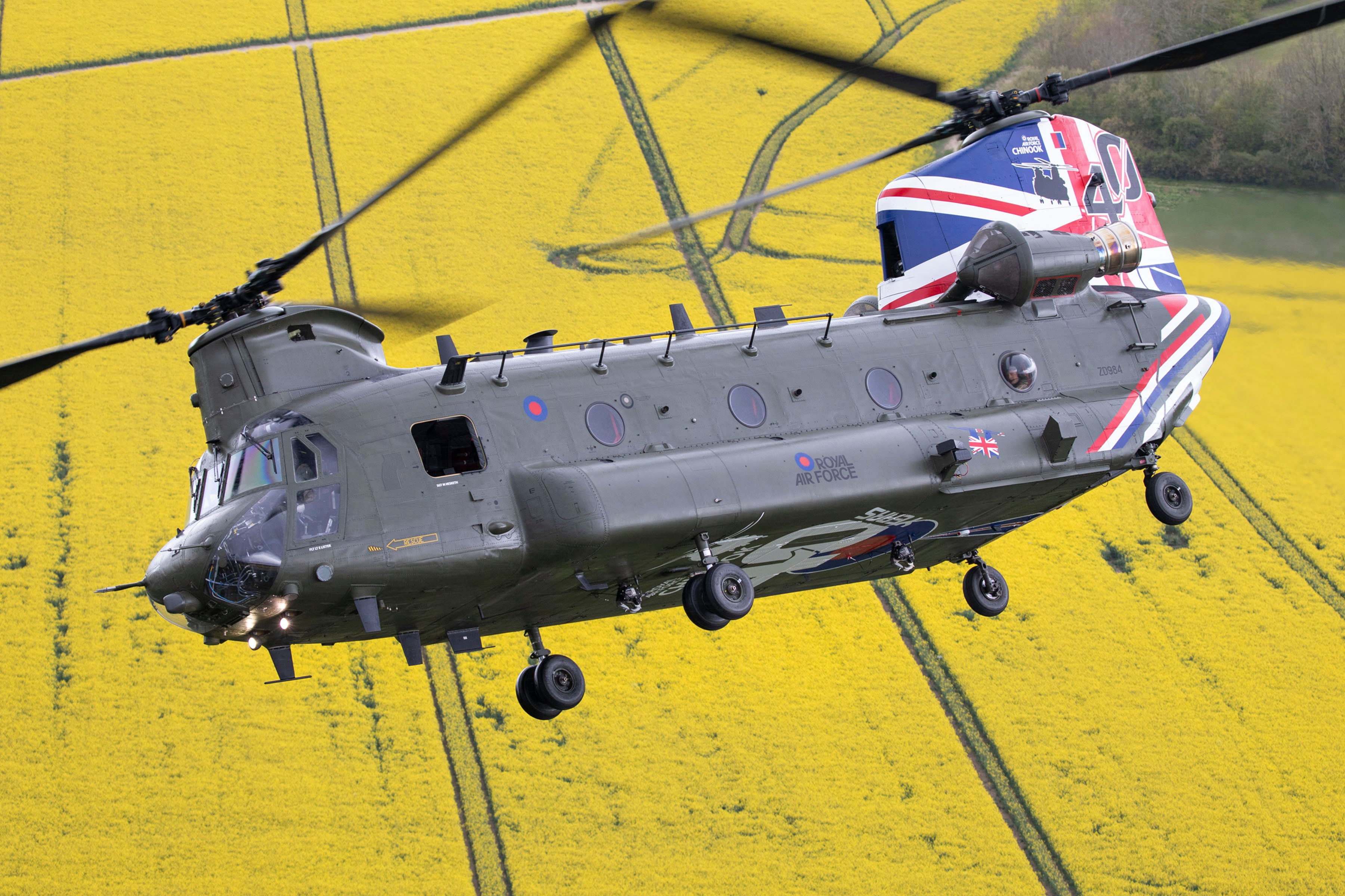 Chinook HC6A 40th Anniversary of Ops scheme [MoD Crown Copyright/SAC Laura Wing]