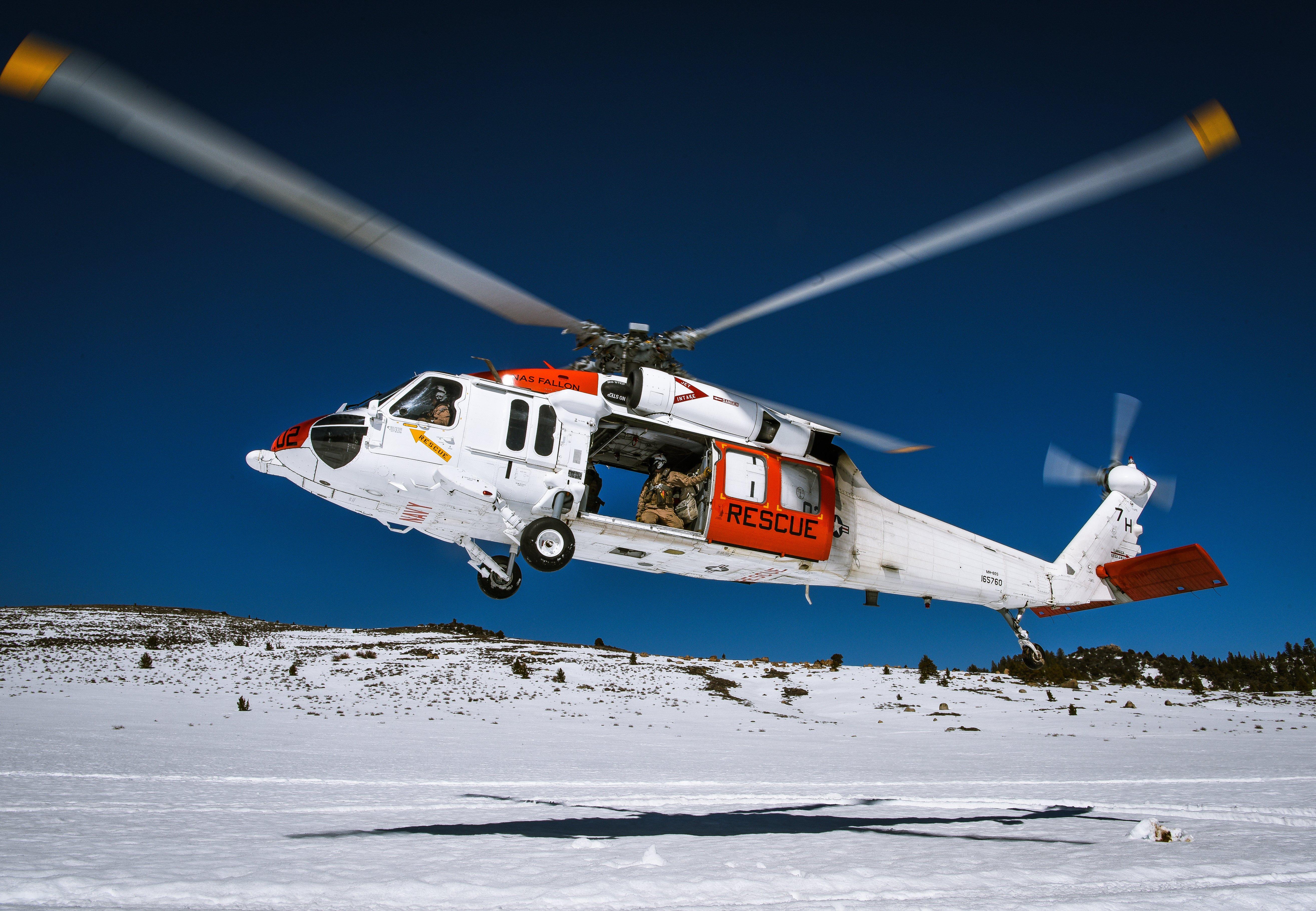 NAS Fallon SAR Team MH-60S in flight [US Navy/Chief Mass Communication Specialist Shannon Renfoe]