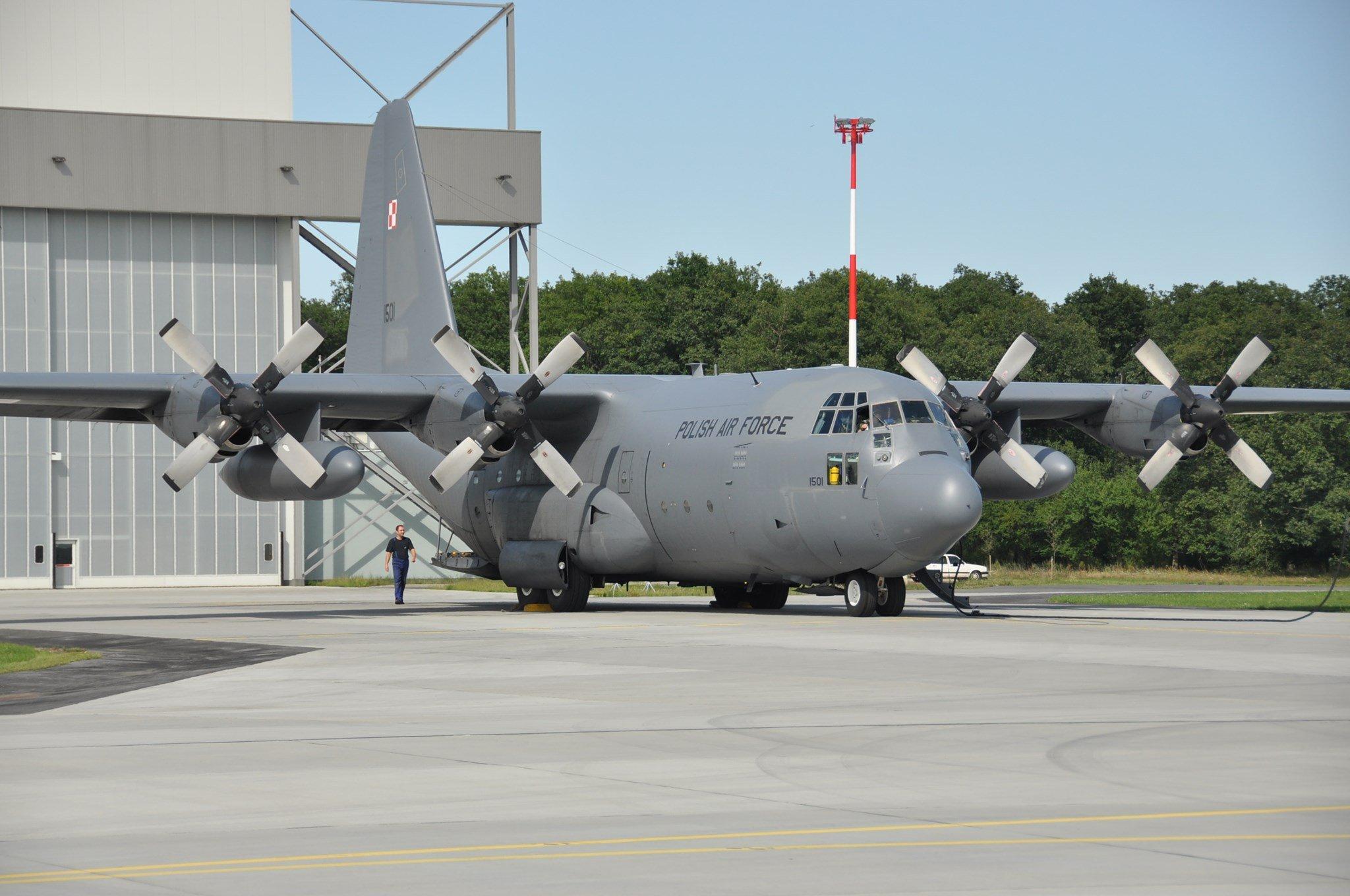 Polish C-130E [Polish MOD]