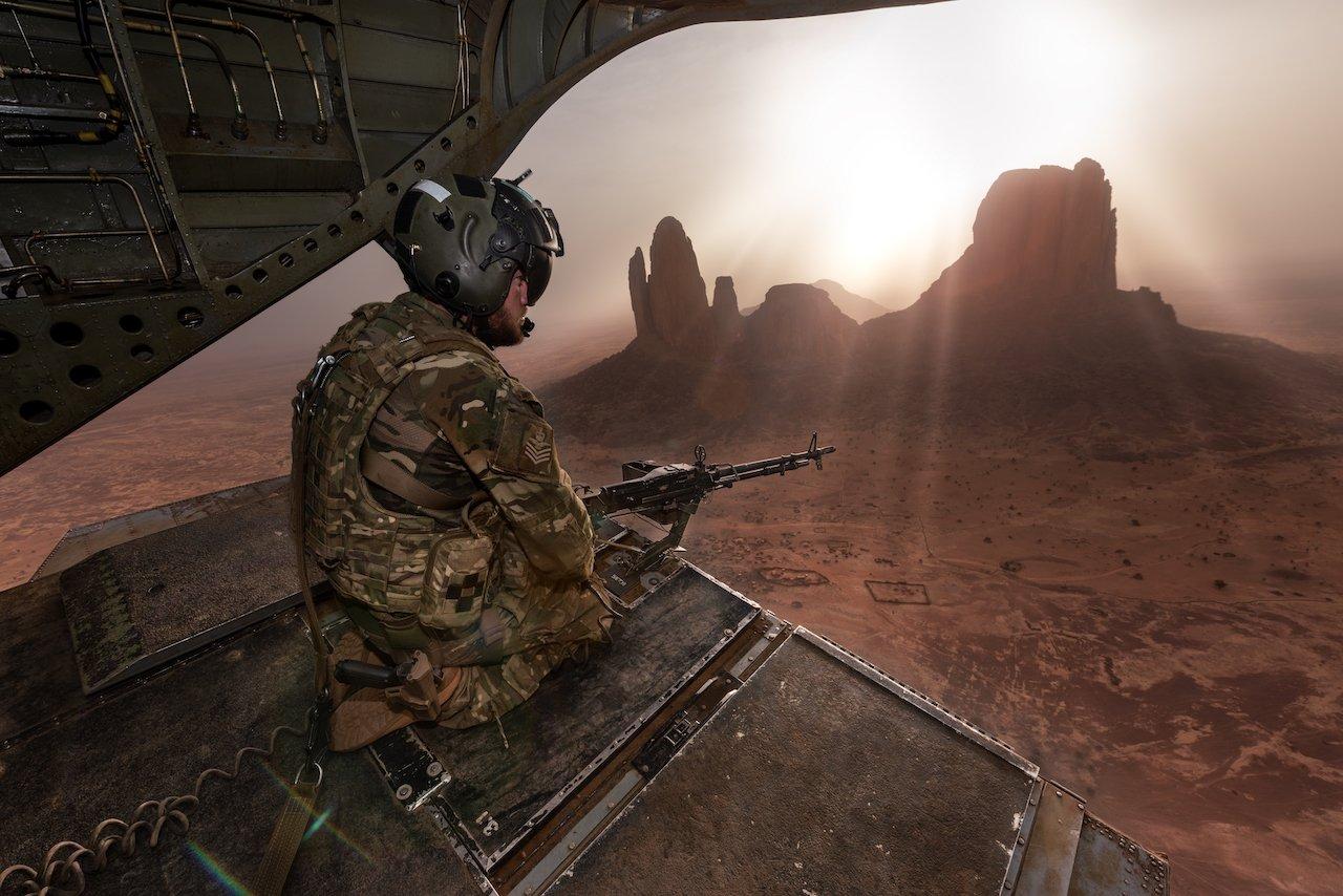 RAF Chinook over Mali [MOD Crown Copyright/Flt Lt Andy Donovan]