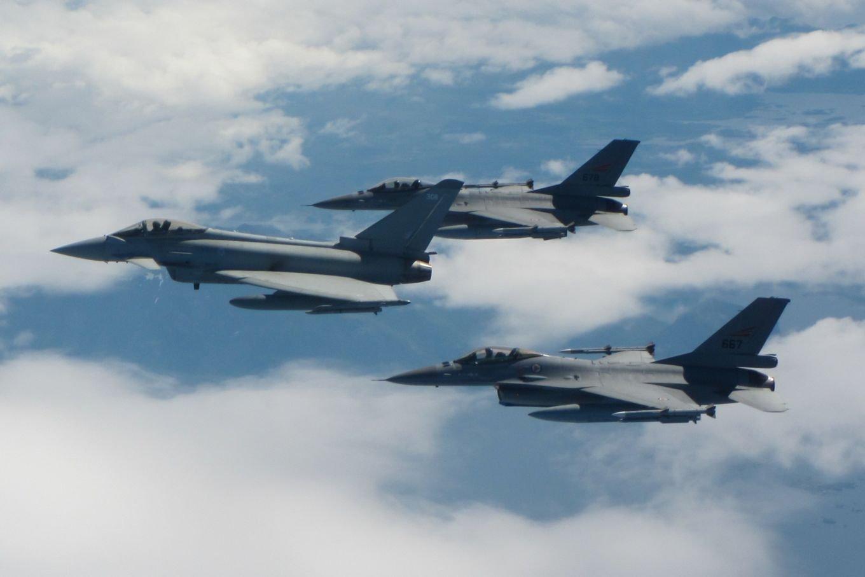 RAF Typhoon FGR4 and RNoAF F-16AMs over Norwegian Sea 07-07-21 [MOD Crown Copyright/SAC Ciaran McFalls]