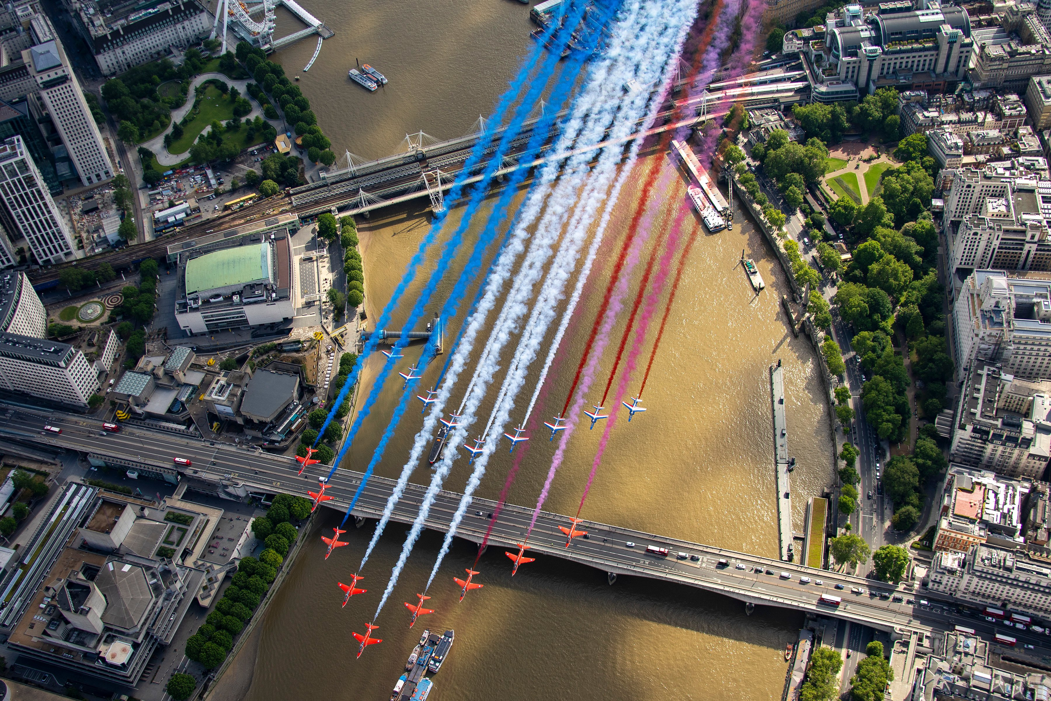 RAFAT Red Arrows and Pat de France [MoD Crown Copyright - Dave Jenkins]