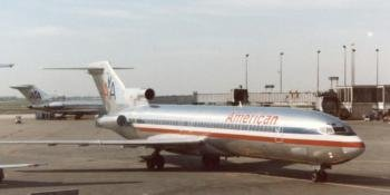 Boeing 727 on ground at Chicago International in the 1980s