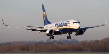 Ryanair Boeing 737 landing at Manchester