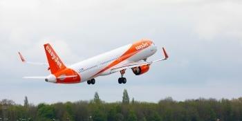 easyJet A320 take-off